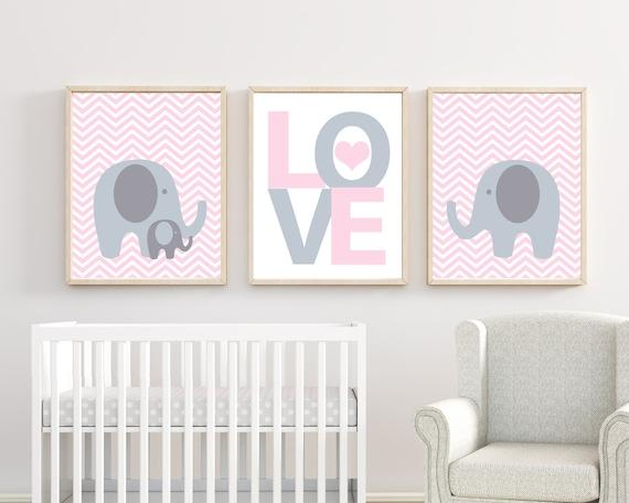 Bébé fille chambre d'enfant rose et gris éléphant murale impression d'Art.  Bébé fille Chevron Art mural. Decor de chambre de filles - H257 - sans ...