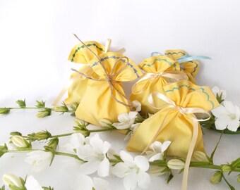 Yellow Favor bags, NO text, SET OF 75 wedding favors, yellow favor bags, cotton favor bags, decorative stitch favor bag, yellow favor bags