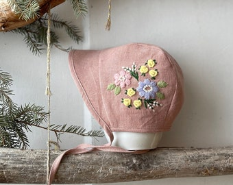 100 /% organic linen; Hand embroidery; embroidered baby bonnet. Linen baby bonnet with botanical embroidery