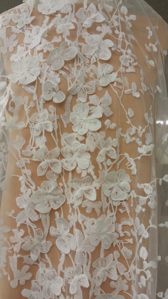Tissu en dentelle ivoire par la cour, brodé 3D dentelle française, dentelle de chantilly blanche pour la robe de mariée N20201