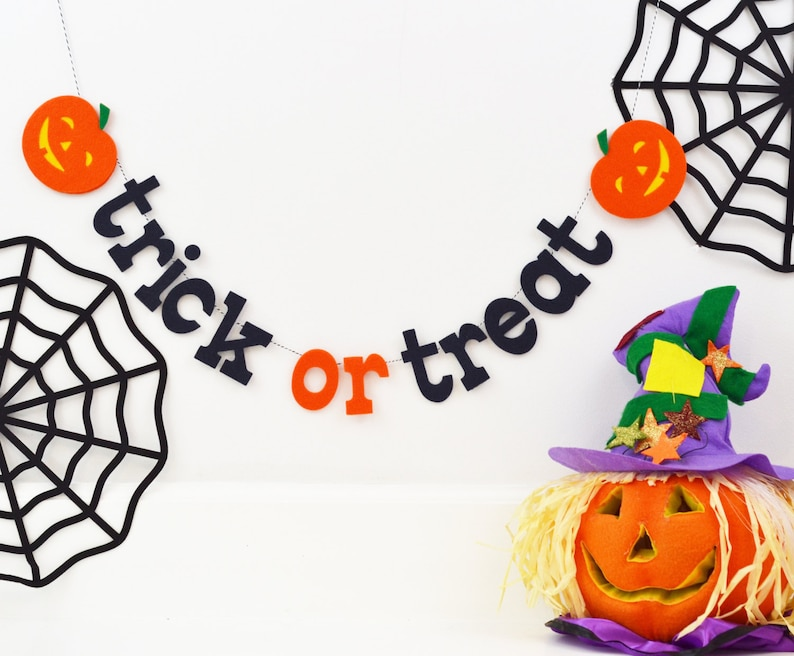 TRICK or TREAT Halloween Felt Glitter Pumpkin Banner / Fall image 0