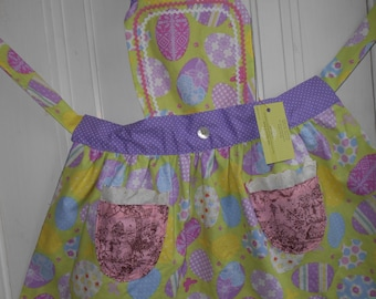 Patchwork Upcycled Easter Apron Pastel Scalloped Hem Vintage Tablecloth Chick The Vintage Audrey Bunny Women Reversible