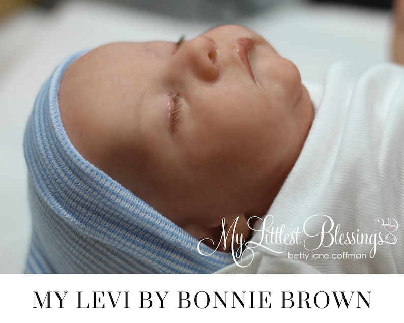 CuStOm Levi by Bonnie Brown 21 Inches w/ bent legs  Full image 0