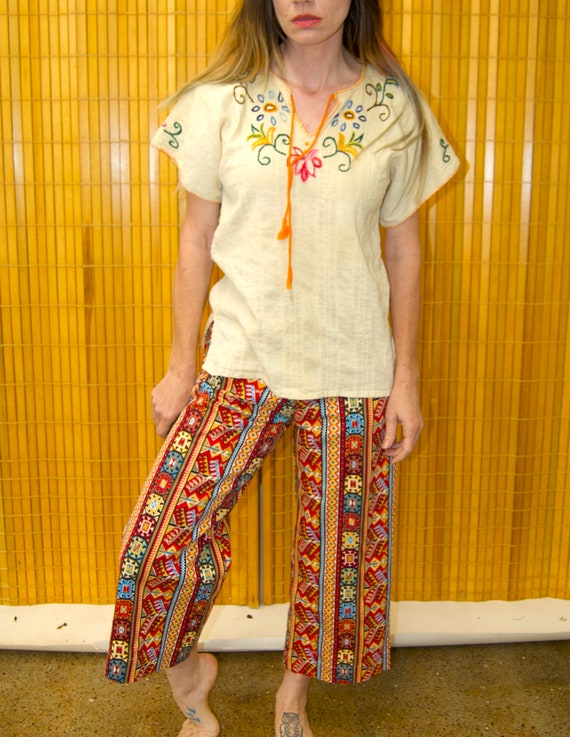 Vintage 1960's HUNGARIAN Style Embroidered Floral… - image 1