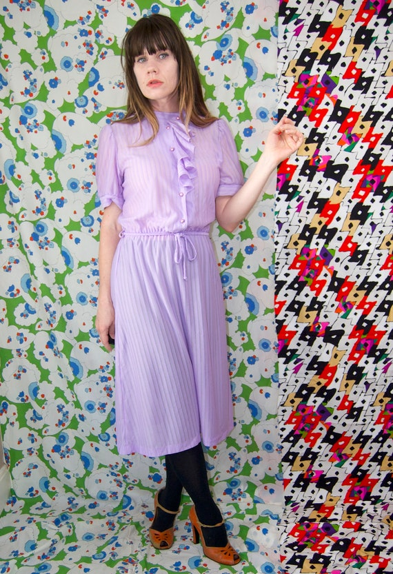 Vintage 1970's Pastel LILAC & Silver Belted RUFFL… - image 5