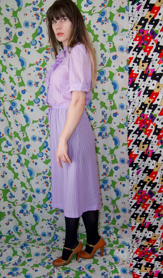 Vintage 1970's Pastel LILAC & Silver Belted RUFFL… - image 4