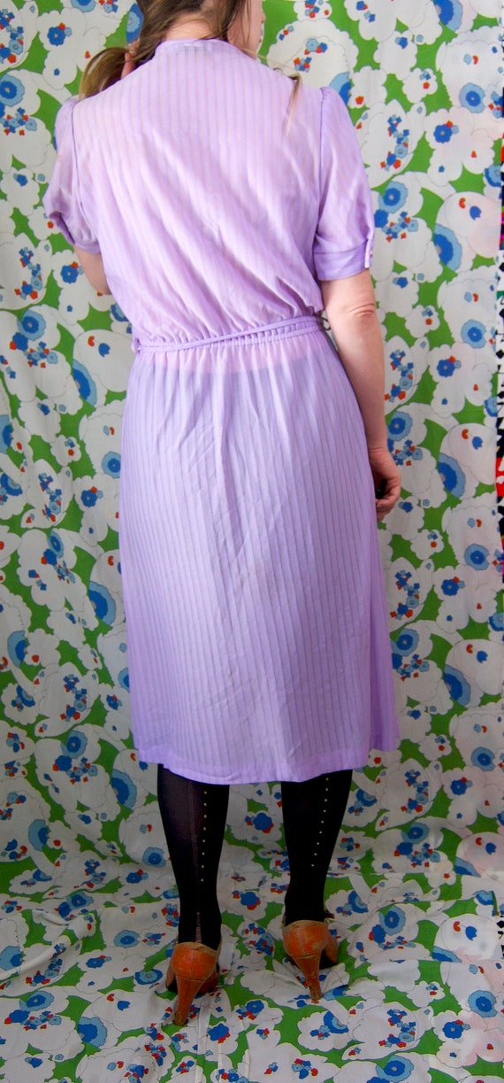 Vintage 1970's Pastel LILAC & Silver Belted RUFFL… - image 9