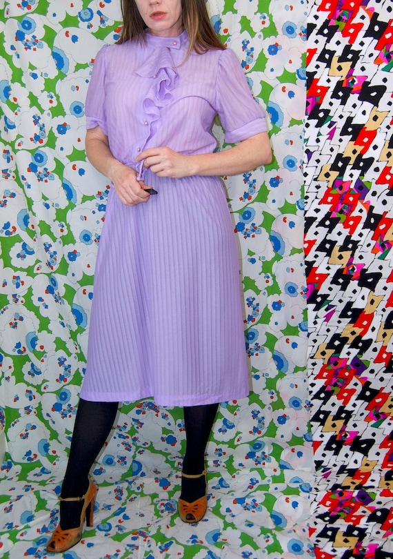 Vintage 1970's Pastel LILAC & Silver Belted RUFFL… - image 3