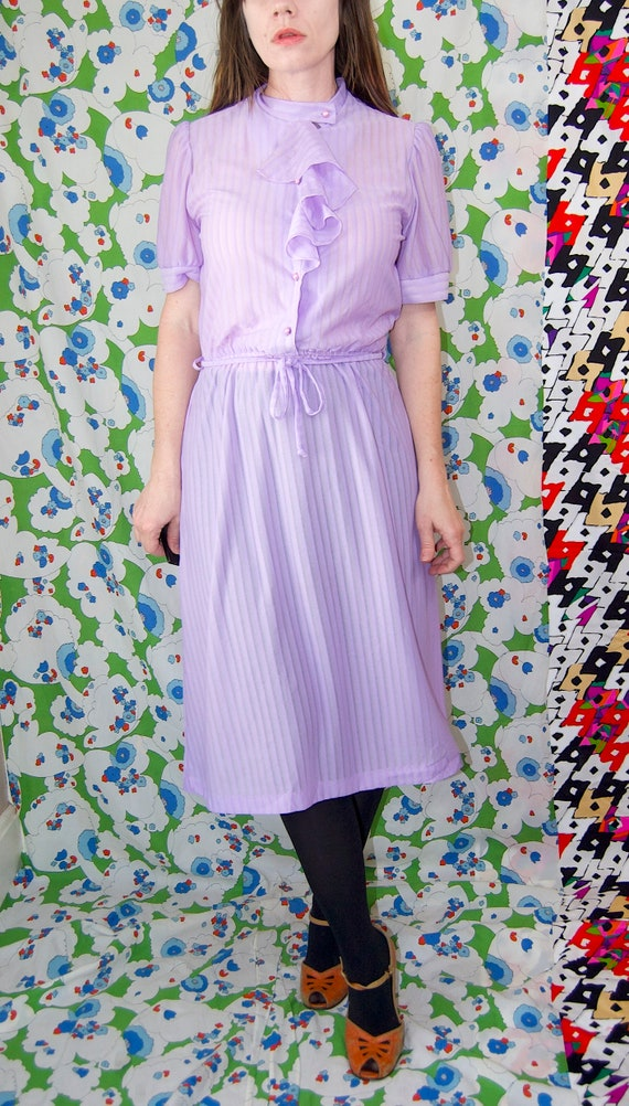 Vintage 1970's Pastel LILAC & Silver Belted RUFFL… - image 7