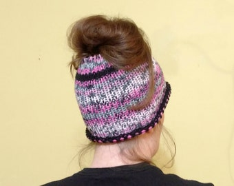 Crochet Messy Bun Hat, Poneytail Hat, Messy Bun Hat, Crochet Knitted