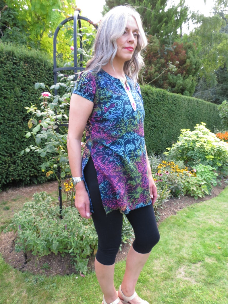 Vintage Cotton Batik Floral Tie Dye Short Sleeve Indian Tunic with Embroidery and Side Slits