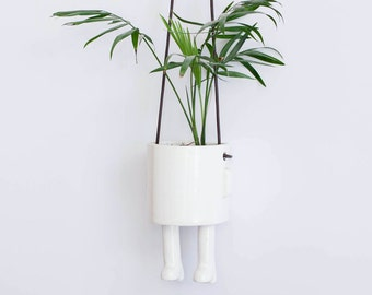 Hanging planter – Size S. Handmade ceramic pot.