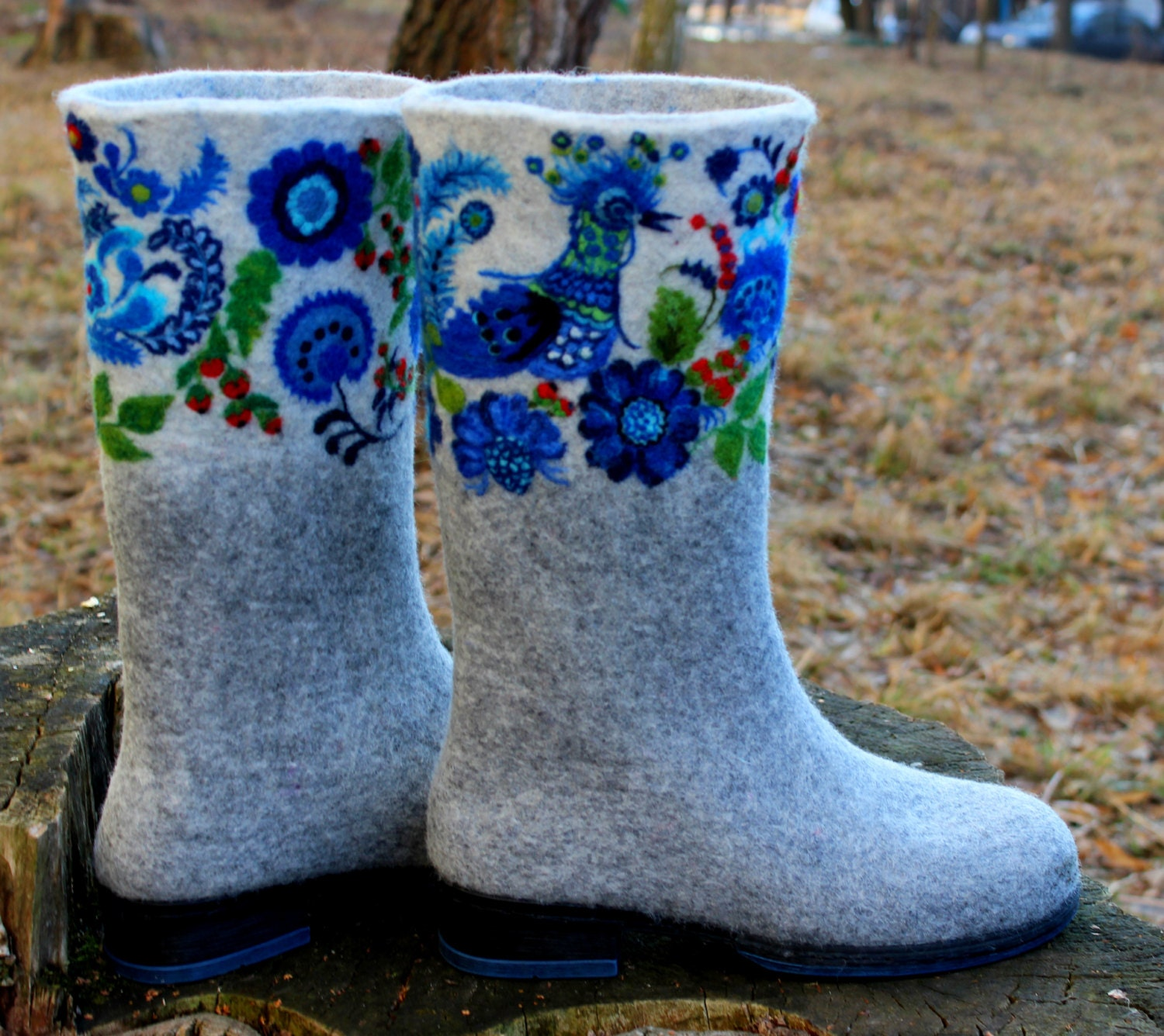How to clean white valenki Return the original look of winter shoes