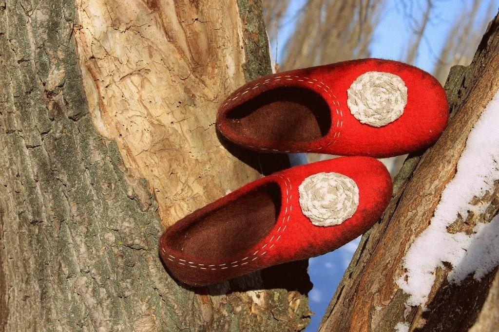 Red female felt female Red ballet shoes Woolen clogs Felted wool footwear Rubbery sole Fairy boho shoes 7cea0a