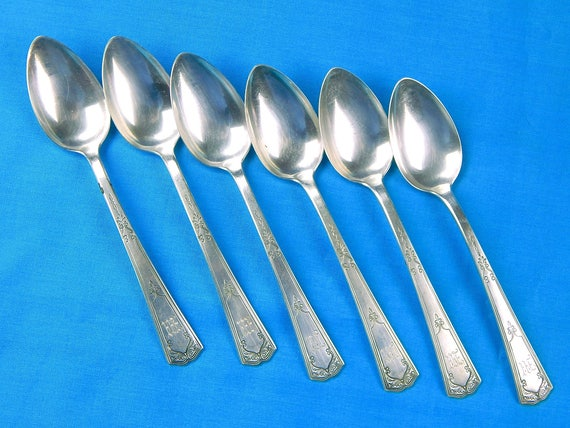 Antique Old Silver Heart Shaped Tea Sugar Spoon Silverware Great Gift Collectable Item