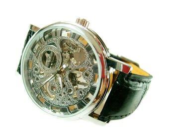 Vintage style Mechanical Skeleton Mens Watch Hand-winding Wrist Silver tone Watch