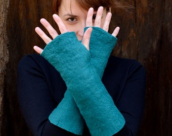 Long felt mittens or fingerless gloves made of soft merino wool, eco friendly mitts, warm mittens, casual mitts, luxury wrist warmers [M5-L]