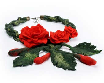 Felted rose necklace - felt flower jewelry with red roses - romantic & feminine fiber necklace, beautiful floral gift for woman [N18]