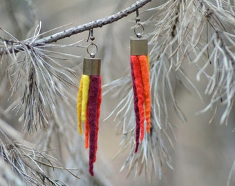 Felt tassel earrings with a fringe of soft spikes, customizable spiky earrings similar to an icicle or a cone, uncommon felted jewelry [E2]