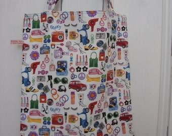 Retro tote bag with 60's iconic pictures design