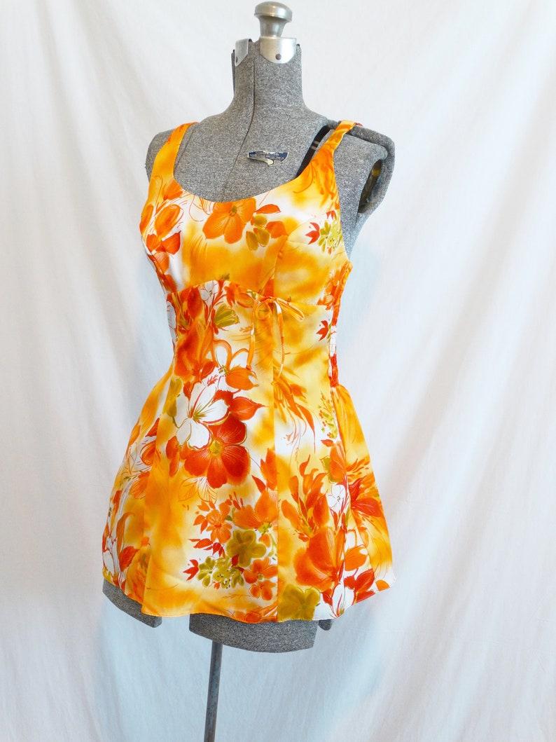 1960s Paradise Hawaii Hawaiian Print Swimsuit Top Orange Red Floral Hawaiian Print Beachwear