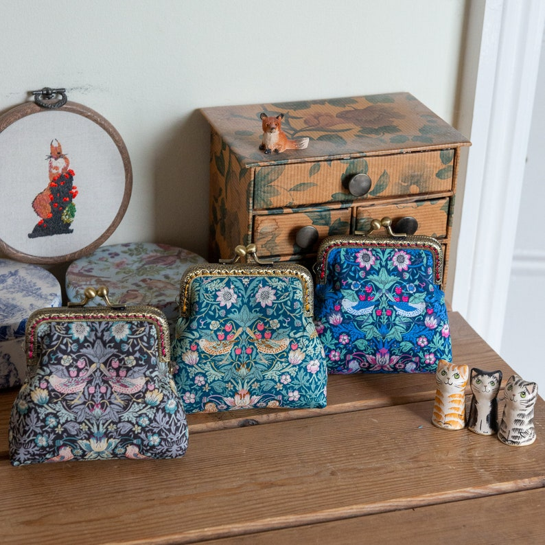 Coin purse made with Strawberry Thief Liberty Lawn Essex image 0