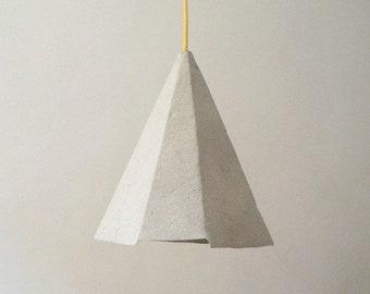 Lampadario Di Cartapesta : Lampada a sospensione di cartapesta pluto lampada etsy