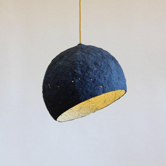 Lampe De Papier Mache Pluto Lampe Luminaire Suspendu Etsy