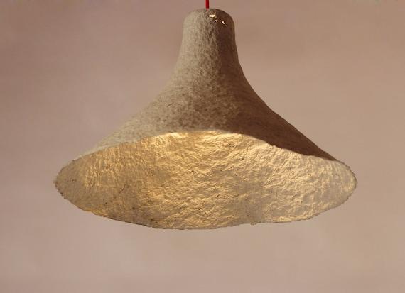 Lampadario Di Cartapesta : L eleganza della luce ecco come creare lampade con la cartapesta