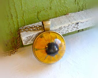 Black eyed susan necklace Pressed flower resin jewelry Yellow flower pendant Wild plant necklace Gift for women Gift for her Gift for friend