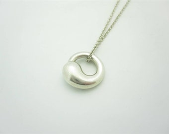 Tiffany & Co. Elsa Peretti Small Sterling Silver Eternal Circle Pendant Necklace 16""