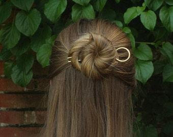 Circle hair pin minimalist bun holder hammered brass hair fork copper hair accessories modern hair jewelry gift for her hair fashion pins