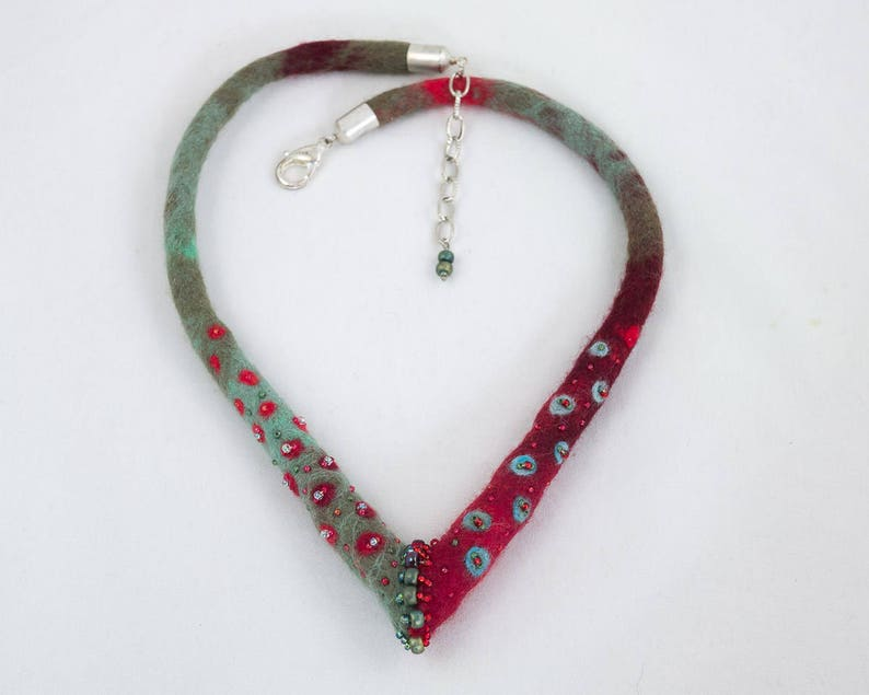 Necklace-Choker-Felted collar-red-green