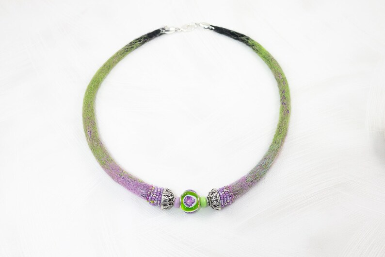 collar-Embroidery-lampwork bead-soft green Necklace-Choker-Statement Necklace