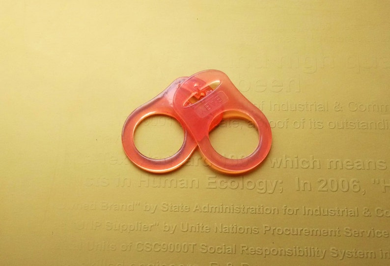 50pcs 13 color assorted food grade BPA Free silicone pacifier teether ring dummy ring mam ring adapter for NUK