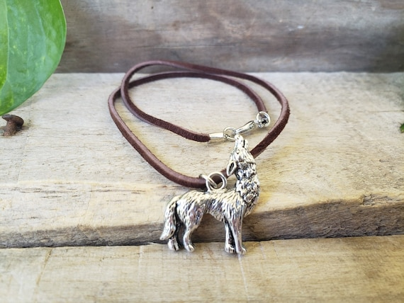 eeaf4a414960 Howling Wolf Leather Necklace