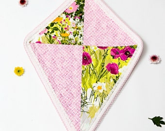 FLUTTERBY KITE Pattern for quilted patchwork wall kite - PDF, beginners, quilting, patchwork, embroidery, wall art, wall hanging, room decor