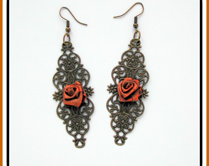 COLLECTION RETRO: Earrings bronze engraving fabric flower // Antique style