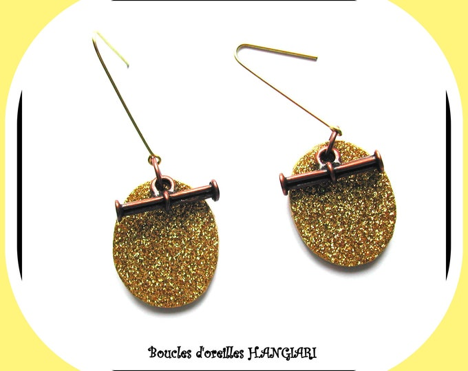 COLOR GOLD: Elegant golden earrings oval shape gold glitter effect