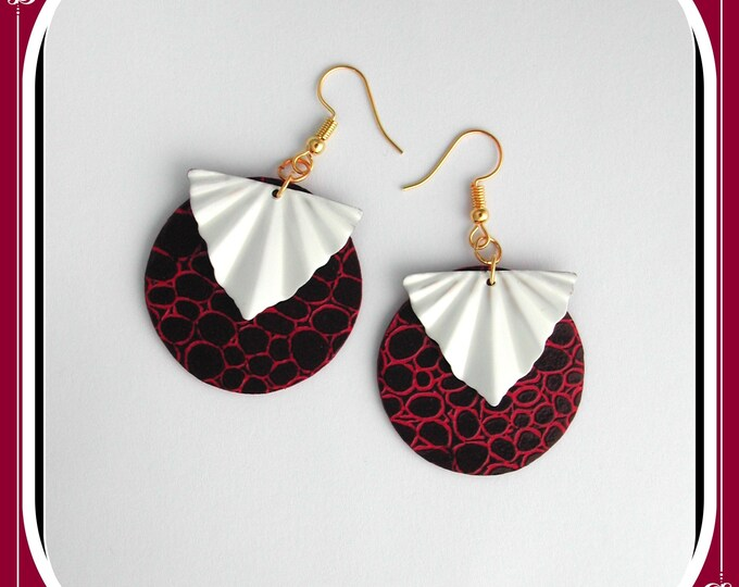 Faux LEATHER collection: earrings, imitation LEATHER, plum / raspberry, round plum, faux leather, enamelled BRASS fan, plum / white