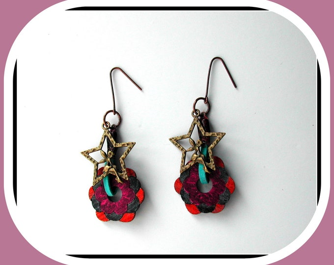 FLOWERS IN WOOD: Wooden flower earrings // angel in star // antique bronze metal