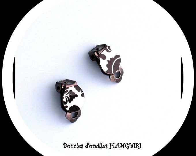 Earrings: black and white mini clip on bronze metal, black and white ear clip, small clips, minimalist clip