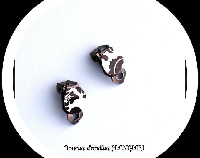 Earrings: black and white mini clip on bronze metal, black and white ear clip, small clips, minimalist clip
