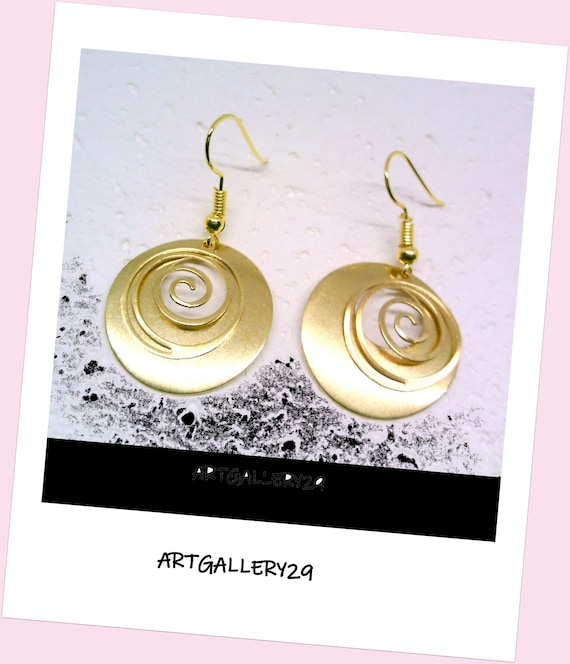SPIRALE-CREOLE-Golden spiral earrings, large golden hoop earrings, hoop and brass spiral overlay