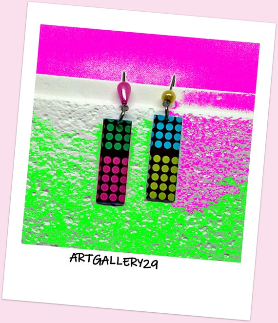 COLOREES-- Multicolored earrings black background pendant, multicoloured polka dot pattern fushia/blue/green anise/green, fun style