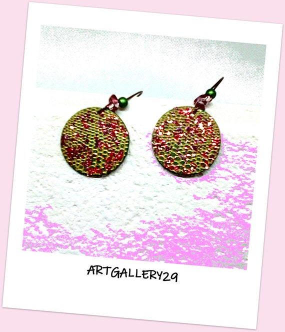 Boucles d'oreilles rondes simples minimalistes simili cuir vert avec paillettes roses, dormeuse bronze, perles japonaises MIYUKI