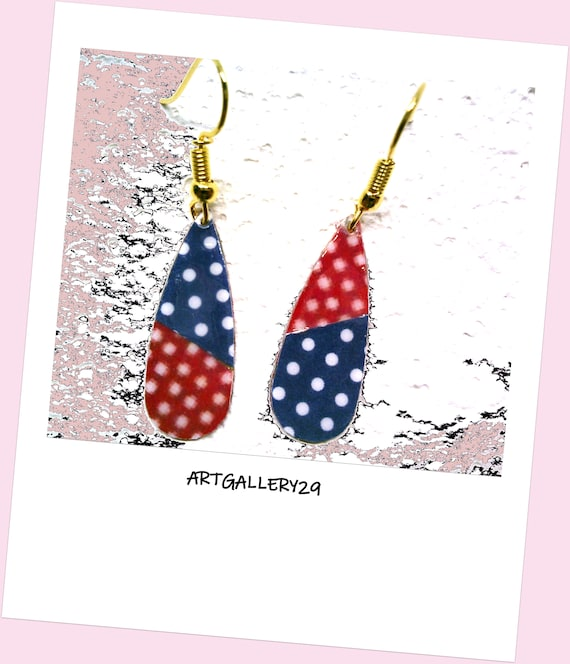 WHITE PEAS... Discreet earrings red/blue drops with white polka dots, polka dots and pixels, brass metal, gold hooks