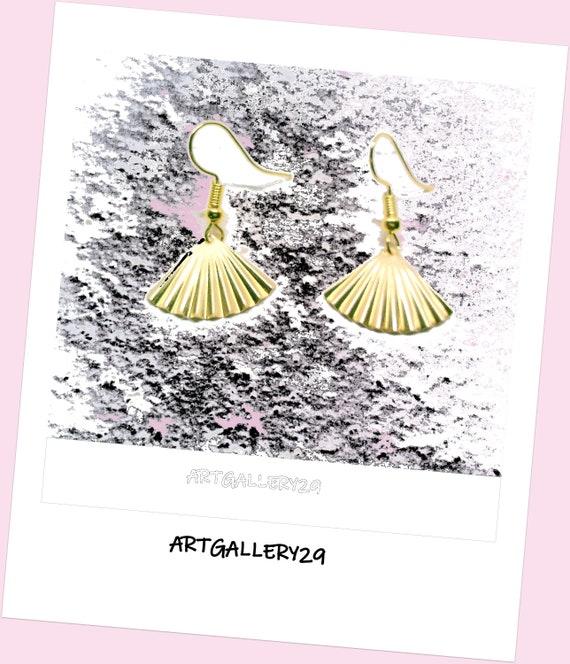 BRASS collection: Fan earrings in brass, Gold earrings, FAN earrings in GOLD color