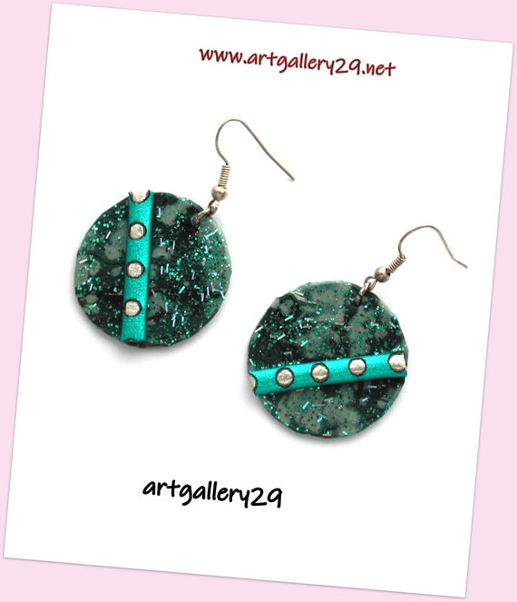 Marbled turquoise and sequins earrings, leather and synthetic cord, festive effect, glitter jewel, glitter paper