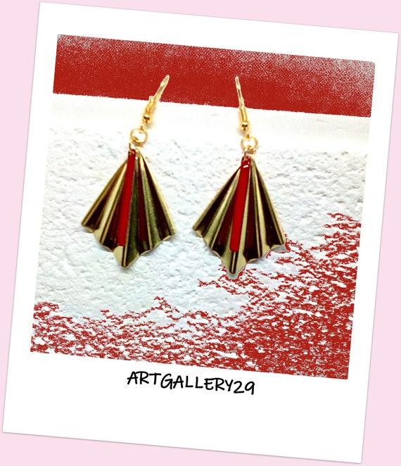 Boucles d'oreilles en laiton de forme éventail, breloque émail rouge en forme de tube, style art déco/bohème